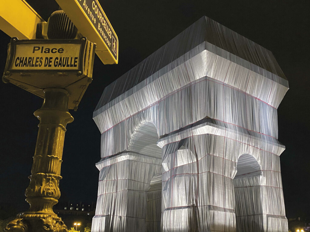 The wrapped Arc de Triomphe at Place Charles de Gaulle